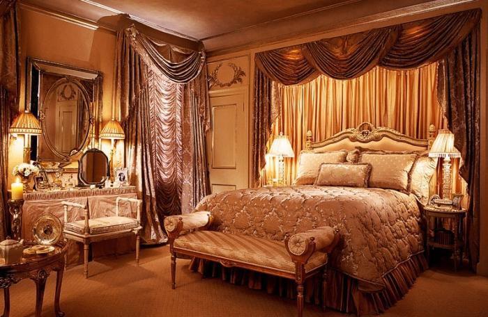 Ламбрекены с французскими шторами в спальне