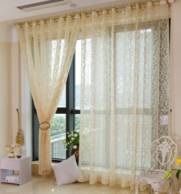 Тюль на люверсах на панорамные окна